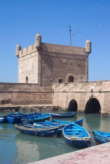 دولة المغرب في الماضي والحاضر chateau-barque-mer-b